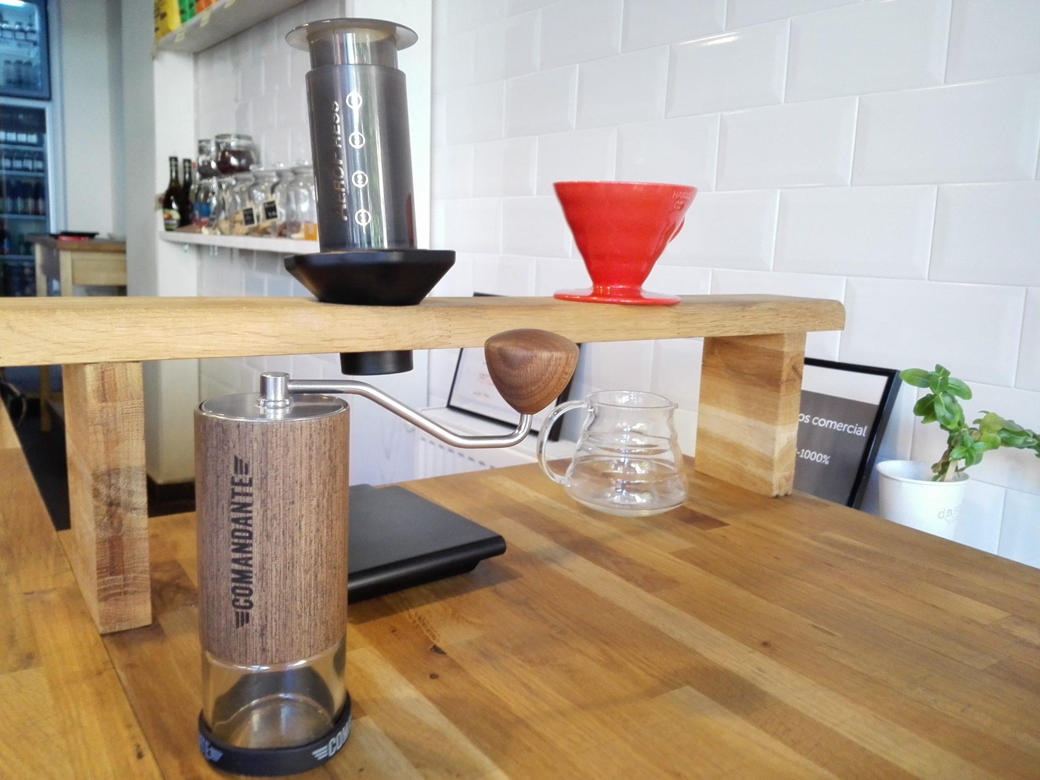 Comandante C40 rasnita manuala cafea dose cafe