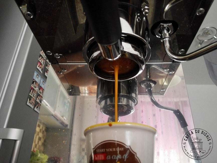 Kenya Nyeri Claro Cafe